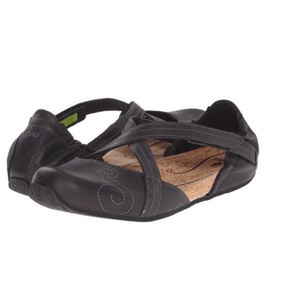 e2953001c0f5 Ahnu Karma Latitude Leather